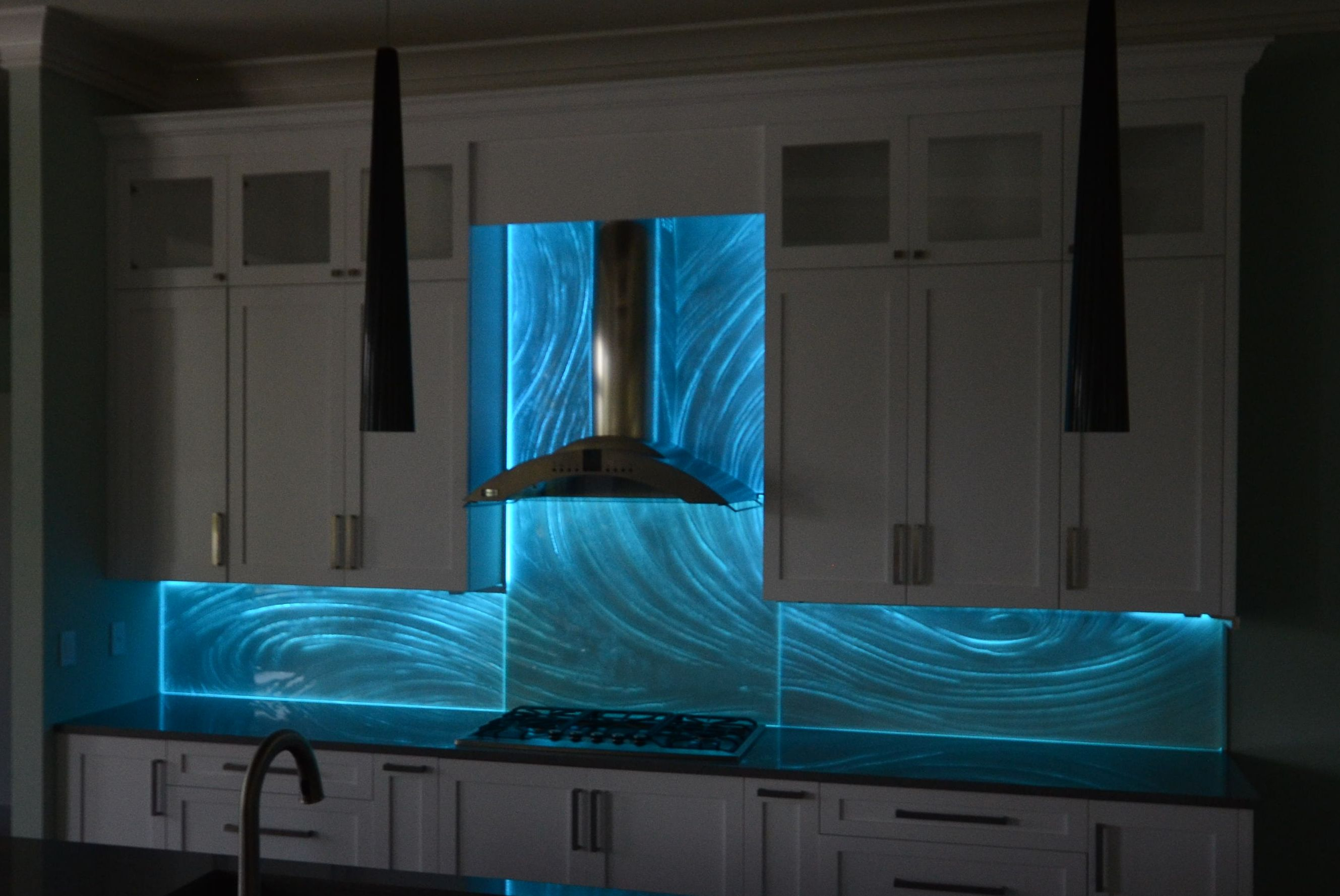 Glass Backsplash – Downing Designs