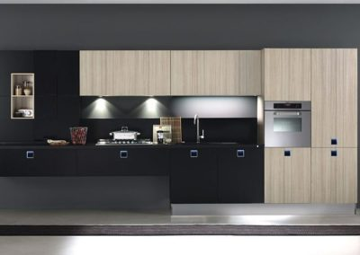 aaa wood blacck flat black light wood cab black top eurokitchenart.com quadra 2