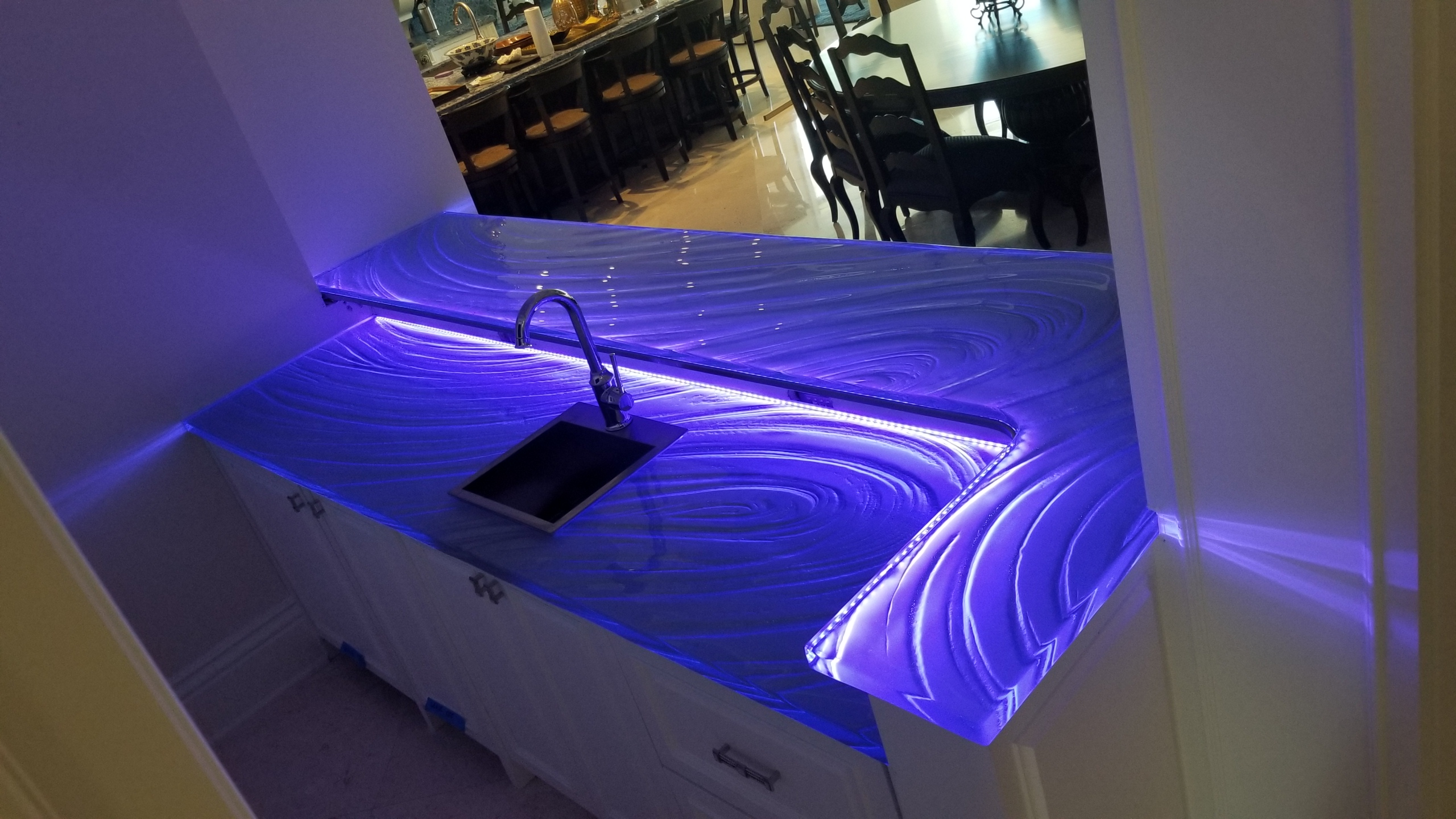 Lighting A Gl Countertop With Led Lights