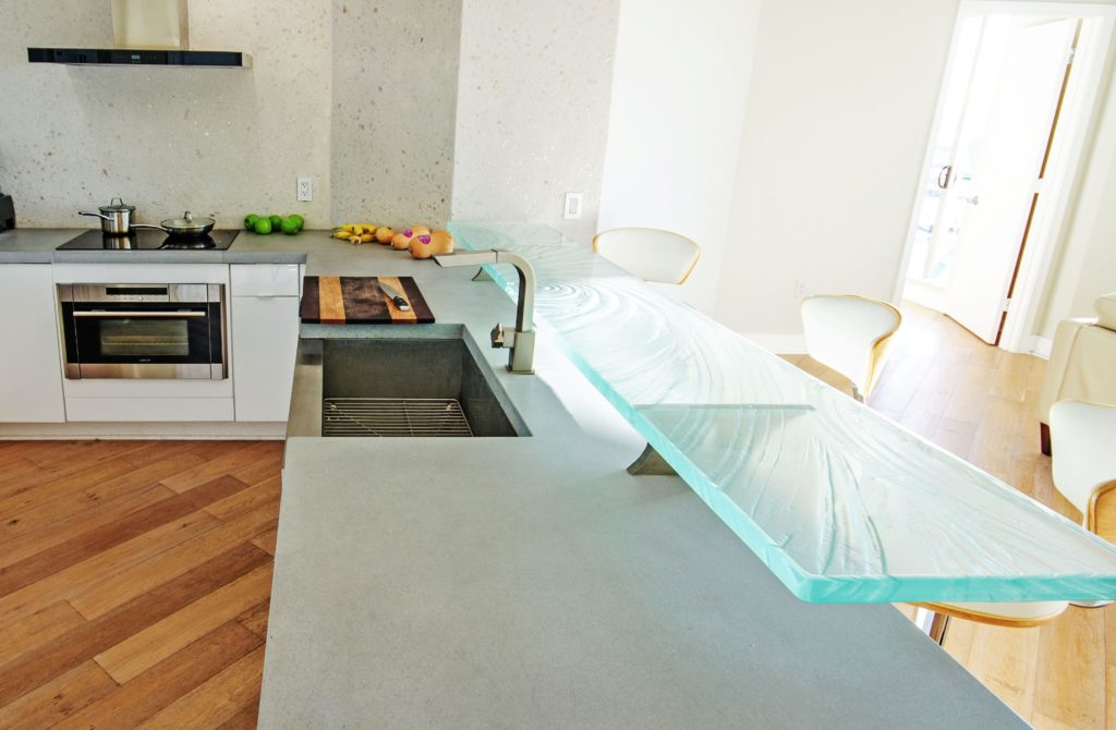 Glass Countertop without LED in Daylight