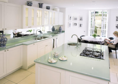 luxurious-kitchen-worktops-pyrolave-1